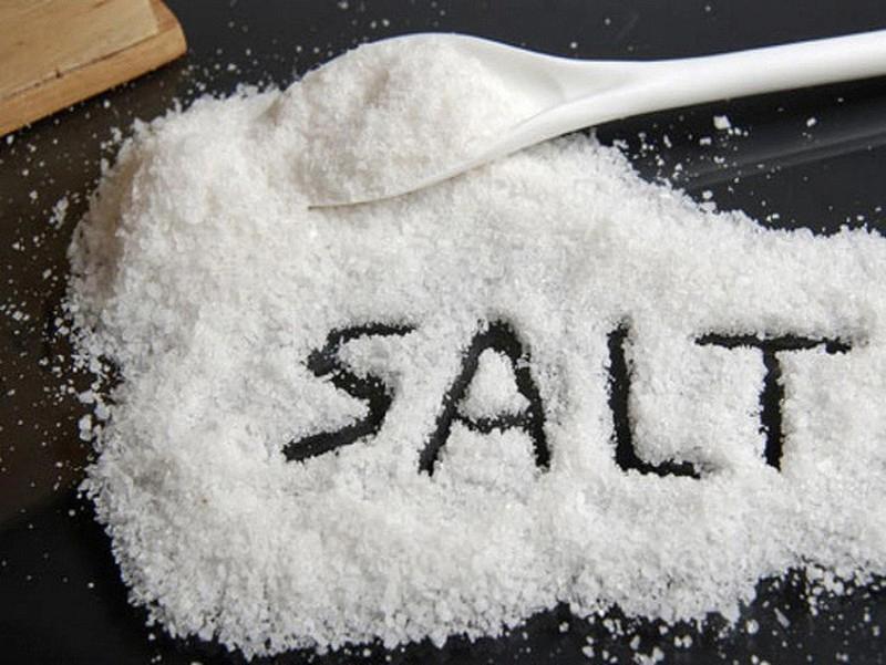 Muối là nguyên liệu thường được sử dụng để trị bệnh sâu răng