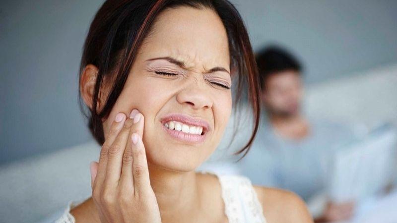 Xuất hiện cơn đau nhức khó chịu