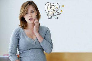 Bà bầu là đối tượng rất dễ mắc bệnh viêm nha chu