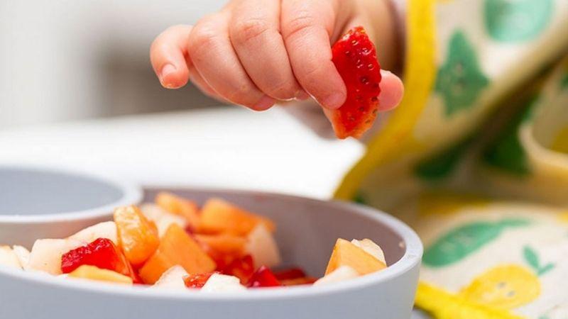 Thiết lập chế độ ăn uống phù hợp cho các bé
