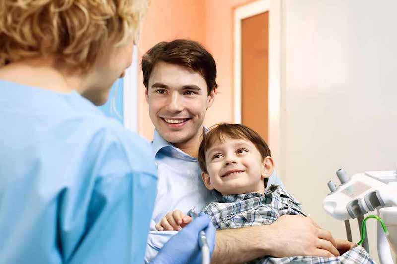 Thăm khám và nghe tư vấn là bước quan trọng đầu tiên trong tiến trình chỉnh nha