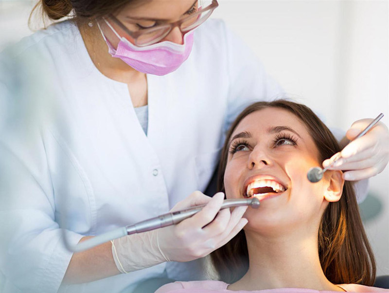 Gặp nha sĩ là điều cần thiết nếu bạn muốn điều trị bệnh nhanh chóng