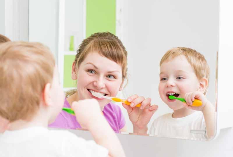 Hướng dẫn trẻ chải răng đúng cách ngay từ khi còn nhỏ