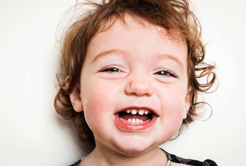 Khi nào nên nhổ răng sữa lung lay của trẻ?