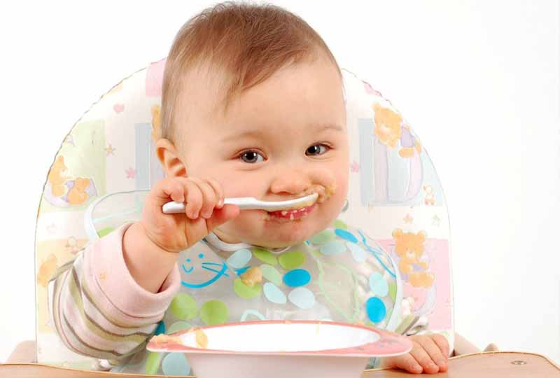Chế độ ăn uống khoa học giúp răng bé luôn chắc khỏe