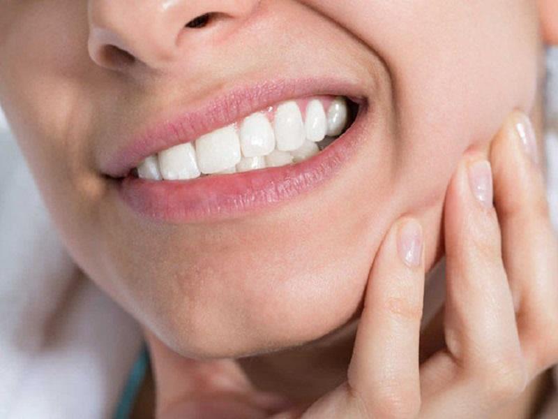 Răng số 8 bị sâu gây đau nhức kéo dài