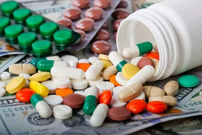 Người bệnh có thể dùng các thuốc giảm đau và kháng sinh theo chỉ dẫn của bác sĩ để ngăn ngừa bệnh nặng hơn