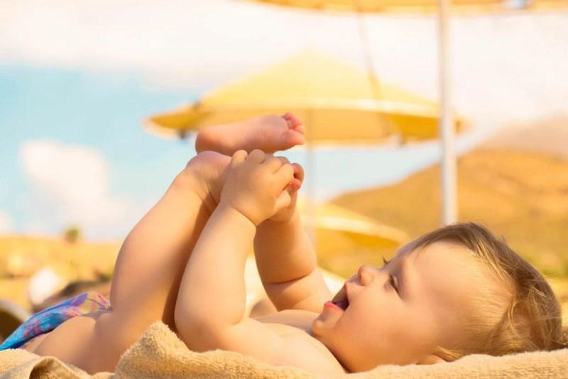 Tắm nắng là biện pháp giúp bổ sung vitamin D an toàn và hiệu quả nhất
