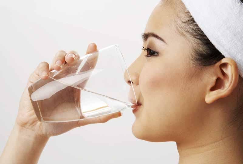 Súc miệng hàng ngày giúp loại bỏ vi khuẩn nha chu hiệu quả
