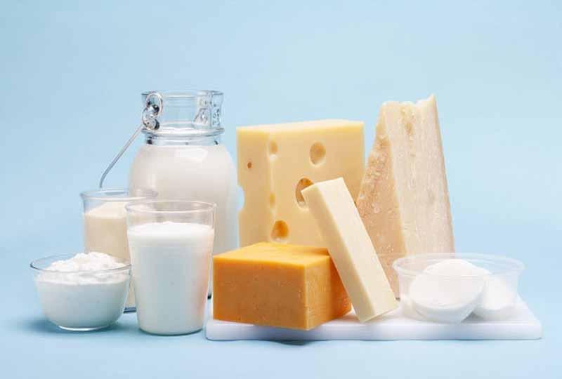 Các loại sữa chua, phô mai rất tốt cho quá trình mọc răng của trẻ.