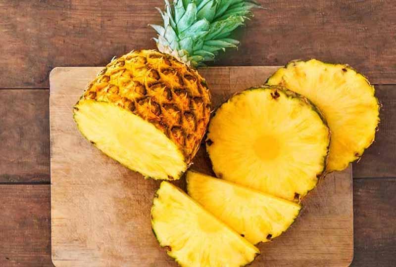 Ăn trái thơm bị rát lưỡi là do chất bromelain - hỗn hợp của emzyme tiêu hóa