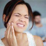 Ê răng sau khi cạo vôi do nhiều nguyên nhân gây ra