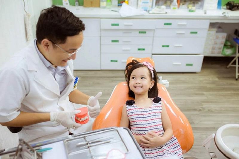 Mẹ có thể cho bé nhổ răng sữa miễn phí tại địa chỉ nào an toàn và uy tín?