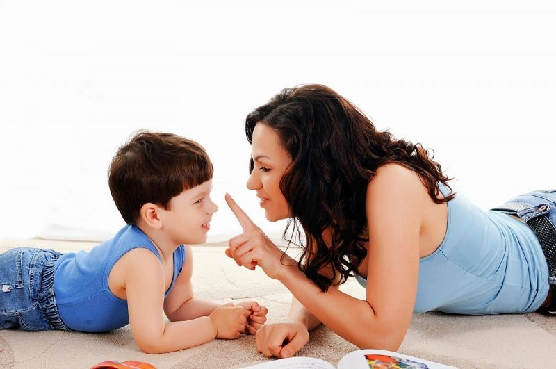 Hãy trò chuyện cùng con để con hiểu về quá trình thay răng tự nhiên