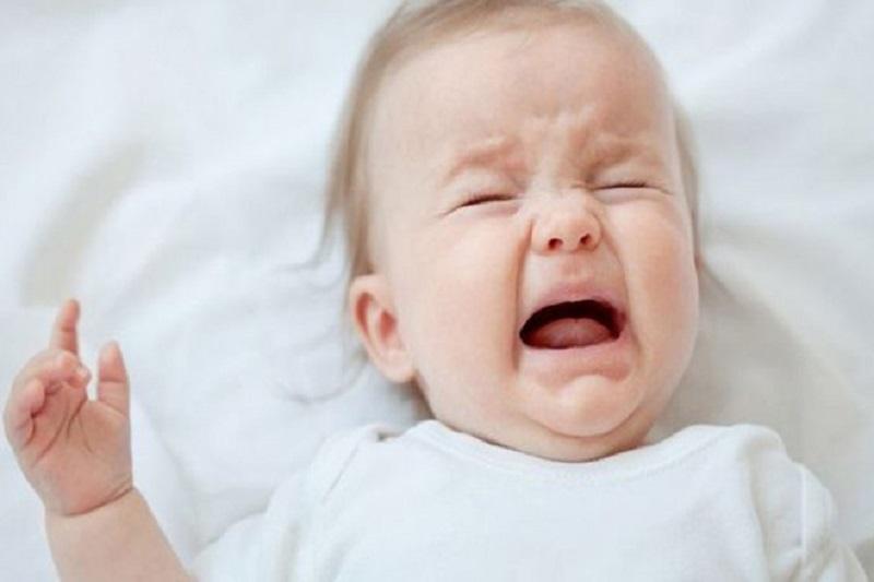 Cẩn thận khi trẻ thường xuyên quấy khóc