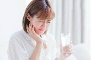 Đau răng khi uống nước lạnh