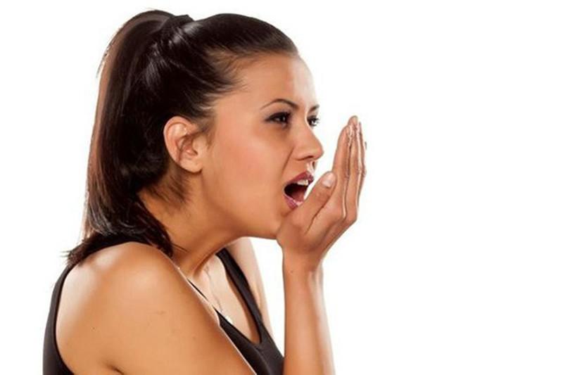 Có nhiều nguyên nhân khiến nấm lưỡi gây hôi miệng