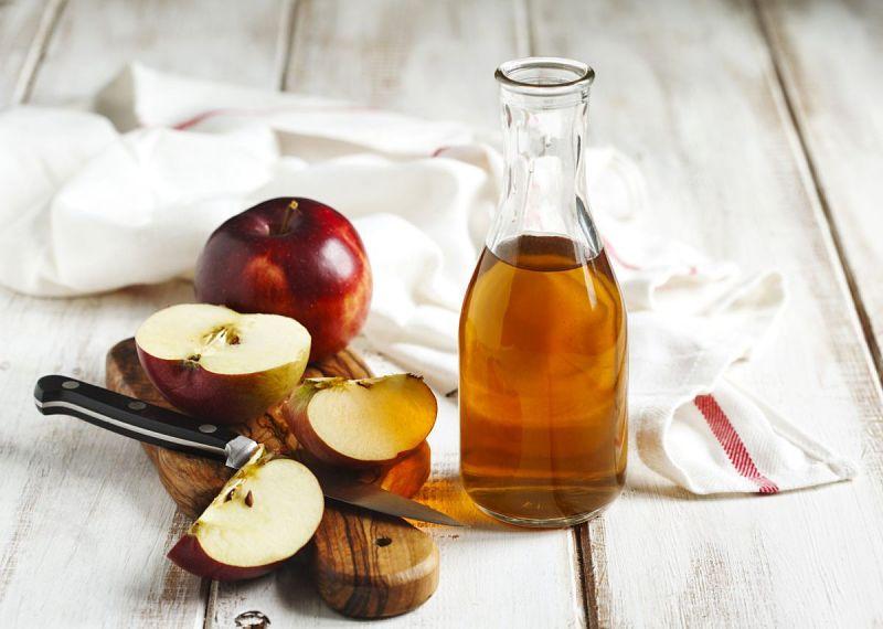 Giấm táo là nguyên liệu dễ kiếm, dễ tìm