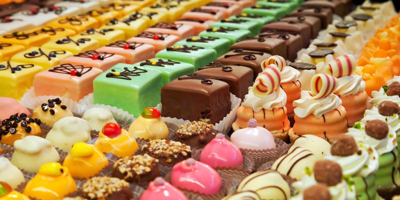 Thực phẩm chứa nhiều đường là lựa chọn không tốt cho trẻ bị nấm miệng