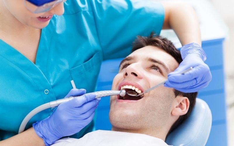 Bác sĩ niềng răng thiếu kinh nghiệm là nguyên nhân khiến niềng răng xong vẫn xấu