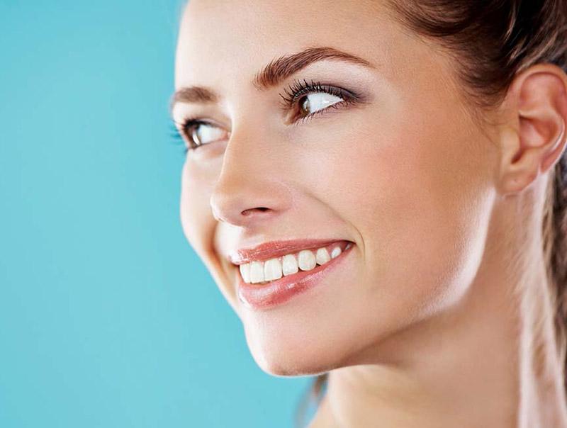 Răng là một phần phụ cứng, vôi hoá nằm trong khoang miệng