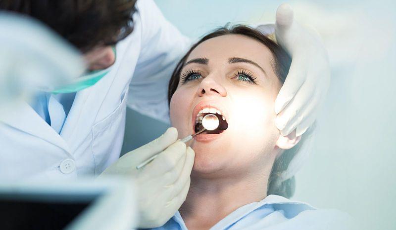 Hiện nay có nhiều trung tâm nha khoa bọc răng sứ nguyên hàm uy tín, chất lượng