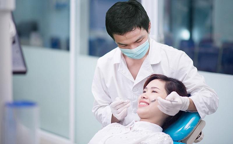 Chi phí niềng răng phụ thuộc nhiều vào sở nha khoa thực hiện